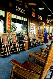 cracker barrel to donate rocking chairs to military families