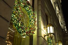 Rockefeller Plaza Christmas Tree Cam by Best Christmas Lights Nyc Has To Offer Including Festive Landmarks