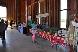 Pfarmers Market » Pfun, TX Red Barn Green Roof Blue Sky Stock Photo Image 58492074 What Color Is This Bay Packers Barn Minnesota Prairie Roots Pfun Tx Long Bigstock With Tin Photos A Stately Mikki Senkarik At Outlook Farm Wedding Maine Boston 1097 Best Old Barns Images On Pinterest Country Barns Photograph The Palouse Or Anywhere Really Tips From Pros Vermont Weddings 37654909