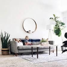 spiegel hinter dem sofa wohnideen einrichten