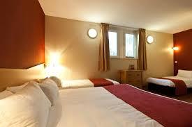 chambre hotel 4 personnes chambre familiale 4 personnes photo de hôtel balladins marseille