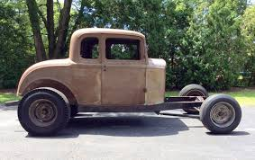 Possible Period Hot Rod: 1932 Ford Model B Barn Finds Buried Tasure Coming In The September 2017 Hot Rod Chevrolet 1952 Chevy Truck Rat Rod Hot Barn Find Project 1961 Corvette Sees Light Of Day After 50 Years Network Patina Doesnt Begin To Describe Finish On This Barnfind 1932 The Builds Tishredding Performance A 1972 Bearcat Beater 1918 Stutz Httpbnfindscombearcat 1948 Convertible Woody Find Three Rodapproved Projects Under 5000 Oldschool Rods Built Onecar Garage Mix Of Old And New 1934 Ford 5 Window