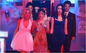 Pll Halloween Special Season 3 by Pretty Little Liars U0027 Halloween React 6 Burning Questions