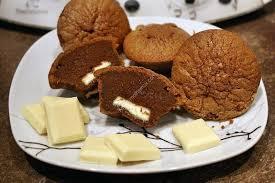moelleux au chocolat noir avec un coeur coulant au chocolat