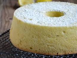 cuisiner blanc d oeuf gâteau léger comme une plume aux blancs d oeufs par chic chic chocolat