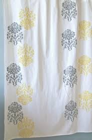 Yellow And Grey Bathroom Window Curtains by Best 25 Grey Yellow Bathrooms Ideas On Pinterest Diy Yellow