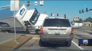 100 Rent A Truck From Lowes Terrifying Truck Crash Caught On Video 6abccom