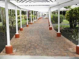 Under the gazebo Picture of Nani Mau Gardens Hilo TripAdvisor