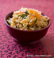 cuisiner avec un wok riz sauté aux légumes au wok les meilleures recettes de cuisine