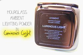 REVIEW & SWATCH Hourglass Ambient Lighting Powder in Luminous