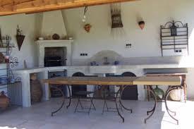 cuisine d ete couverte se faire une cuisine d extérieur inspiration cuisine le