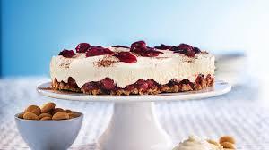 amarettini torte mit roter gru tze