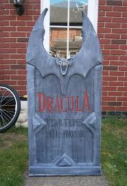 Diy Halloween Coffin Prop by 508 Best Halloween Graves Cemetery Images On Pinterest