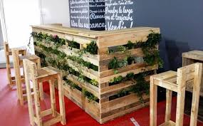 Wooden Pallet Planter Bar And Stools Set