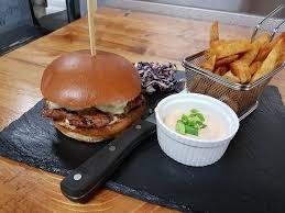 amalgame cuisine burger picture of l amalgame pub urbain amos tripadvisor