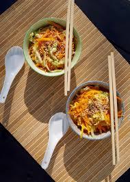 cuisiner le chou chinois cuit poêlée de chou chinois et carottes à l asiatique
