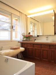 terracotta fliesen im bad badezimmer