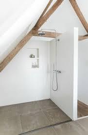 une salle de bain sous pente ou sous combles en 52 photos house