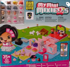 My mini Mixie Q s wedding playset