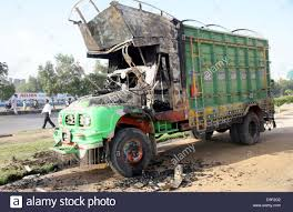 100 Burnt Truck Commuters Pass Through Burnt Truck That Torched By Unidentified