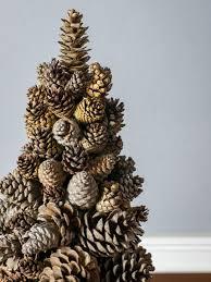 Pine Cone Christmas Tree Centerpiece by 12 Easy Seasonal Pinecone Crafts Hgtv U0027s Decorating U0026 Design