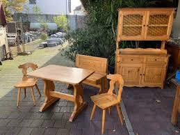 esszimmermöbel tisch stühle bank küchenschrank in