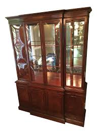 Just Cabinets Scranton Pa by Vintage U0026 Used Hollywood Regency China And Display Cabinets Chairish