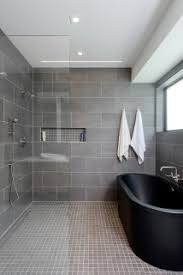 75 moderne badezimmer mit mosaik bodenfliesen ideen