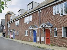 100 Bridport House 3 Bedroom Accommodation In