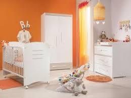 chambre bébé gris et une chambre de bébé en gris et orange par carnet deco