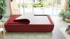 boxspringbett bett schlafzimmer rot weiß mit wendetopper 140