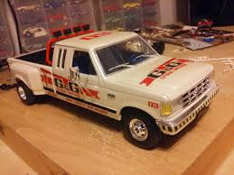 Revell 1/25 Ford Dually