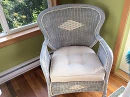 Painting Wicker ReLoving FurnitureReLoving Furniture