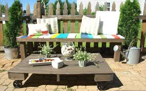 FurnitureOutstanding Wood Pallet Outdoor Seating Vintage Vinish Material Comfortable Bench With Colorful Cushion