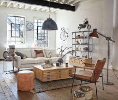 stehle im industriestil mit gelenkarm aus grauem metall in rostoptik h136 maisons du monde