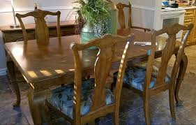Solid Wood Dining Table 65 Length X 43 Width 29 Height Comes With Leaf That Extends By 12 6 Chairs 2 Of Them