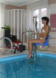 siege de handicapé siege piscine affordable la vogue sige gonflable bb enfant