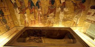 cachee dans la chambre finalement il n y a pas de chambre cachée dans le tombeau de
