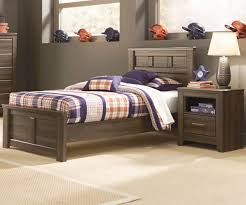Juararo Twin Size Panel Bed by Ashley Furniture B251