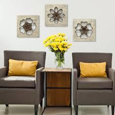 Stratton Home Decor Rustic Flower Wall SHD0189