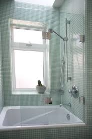 Bathtub Splash Guard Glass by Best 25 Bathtub Enclosures Ideas On Pinterest Tub Enclosures