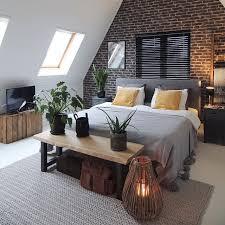 modernes schlafzimmer unter dem dach backstein