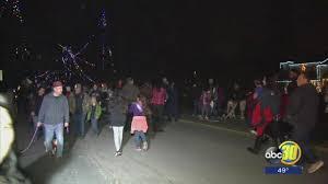 Christmas Tree Lane Fresno by Close To 100 Sheriff Deputies Patrol Christmas Tree Lane Abc30 Com