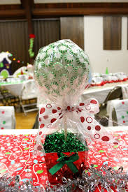 Whoville Christmas Tree Decorations by Who Ville Party Decor Diy Pt 1 Centerpiece Life Through A Lens