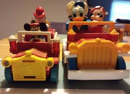 100 Mickey Mouse Fire Truck Illco Donald Duck Battery Operated Toy Car