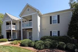 100 Fieldstone Houses Apartment Homes