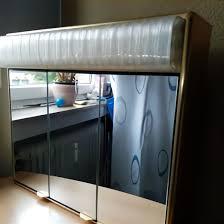 alu badezimmerspiegelschrank mit led beleuchtung u