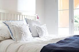 schimmel im schlafzimmer ursache folgen und beseitigung