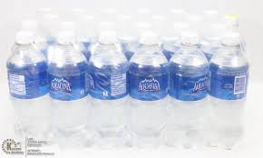 Image 1 CASE WITH 24 BOTTLES OF AQUAFINA WATER