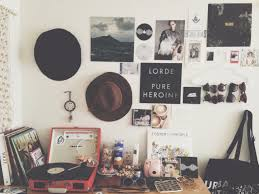 Indie Room Decor Ideas by Best 25 Hipster Wall Decor Ideas On Pinterest Photo Walls